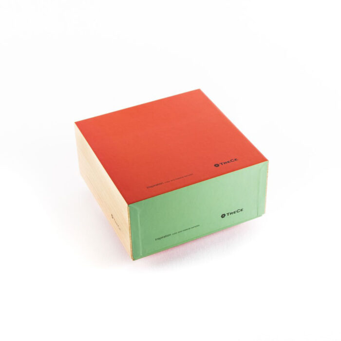 Laminerad låda med löst lock